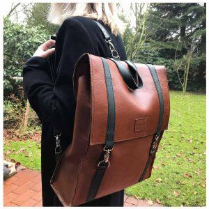 Lederrucksack braun gruen groß handgefertigt. leatherbackpack