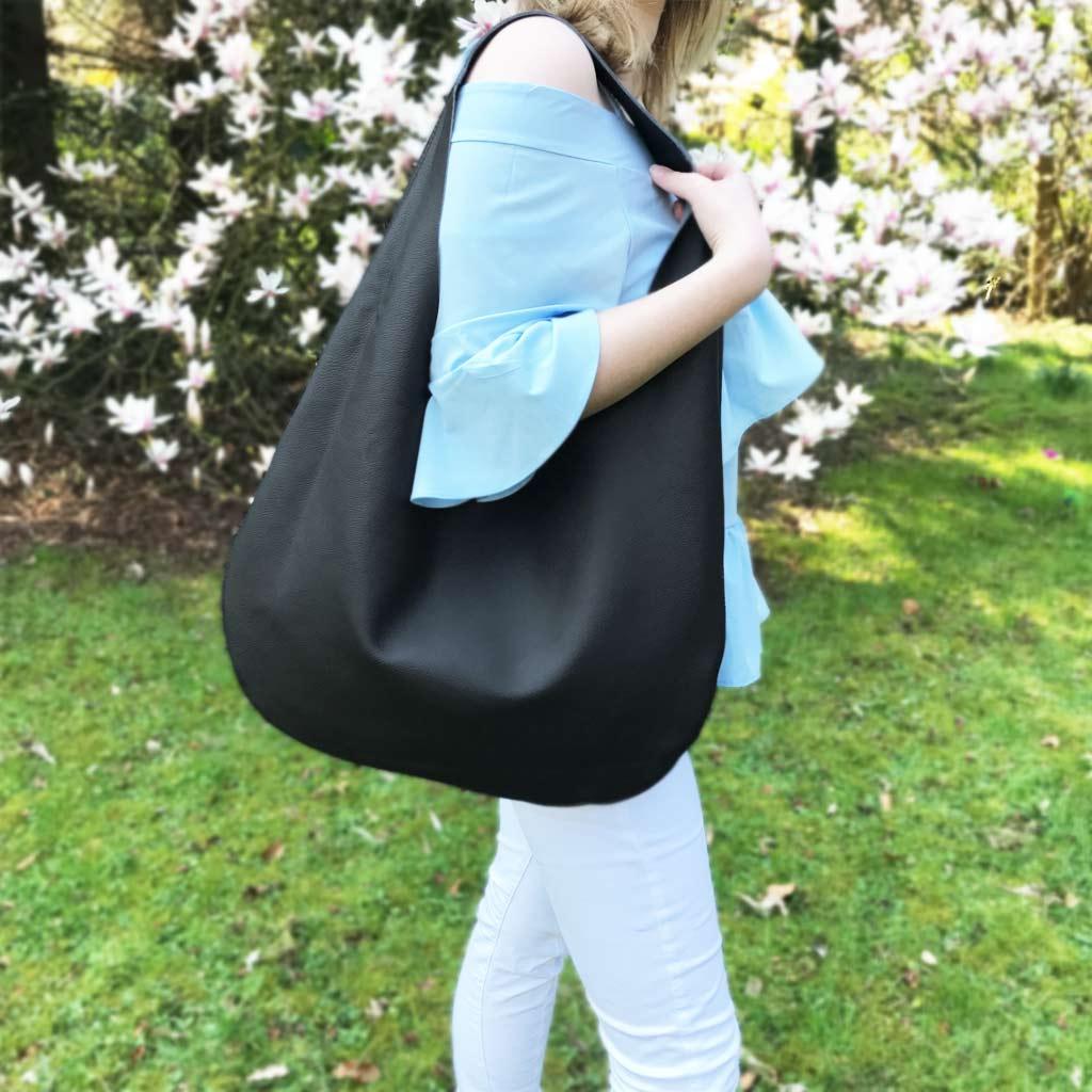29c739fbe117e Schwarze Ledertasche Shopper Hobo Bag mit Henkel. Große Ledertasche in  schwarz. Damen Tasche aus