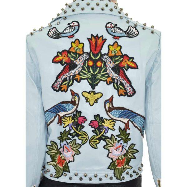 Nevada Love Paris Kunst Lederjacke mit Nieten und Patches. Blumen und Vogel Stickereien. Hellblaue Damenjacke in Große S 38.