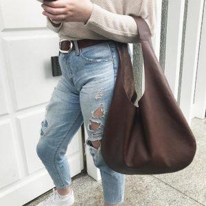 Damen Hobo bag leder braun matt. Grosse Schultertasche aus Büffelleder. Henkeltasche. Handgefertigte Ledertasche minimalistisch. Geschenkidee für Frauen.