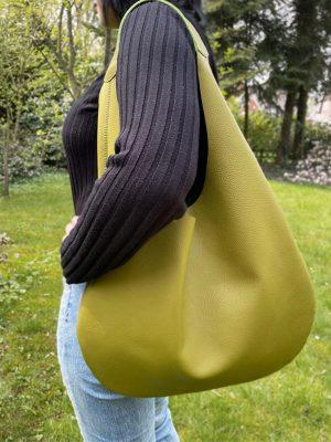 Ledertasche Shopper Hobo Bag grün Avocado-grüne Hobo Bag. Große Damentasche minimalistisch, handgemacht.